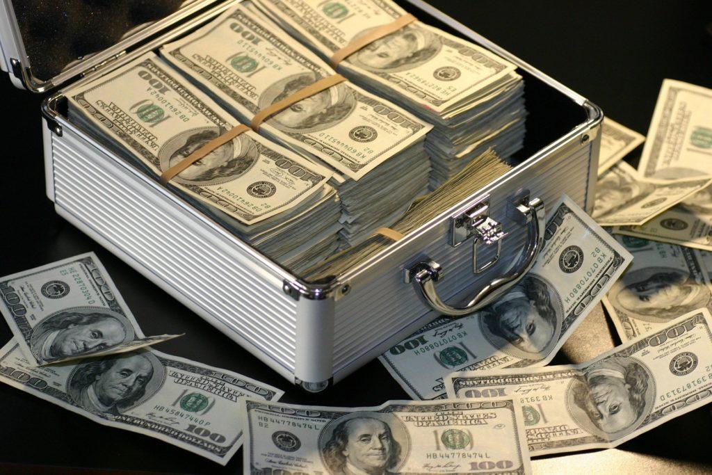 看護師はお金持ちになれる?資産が増える3つのポイント